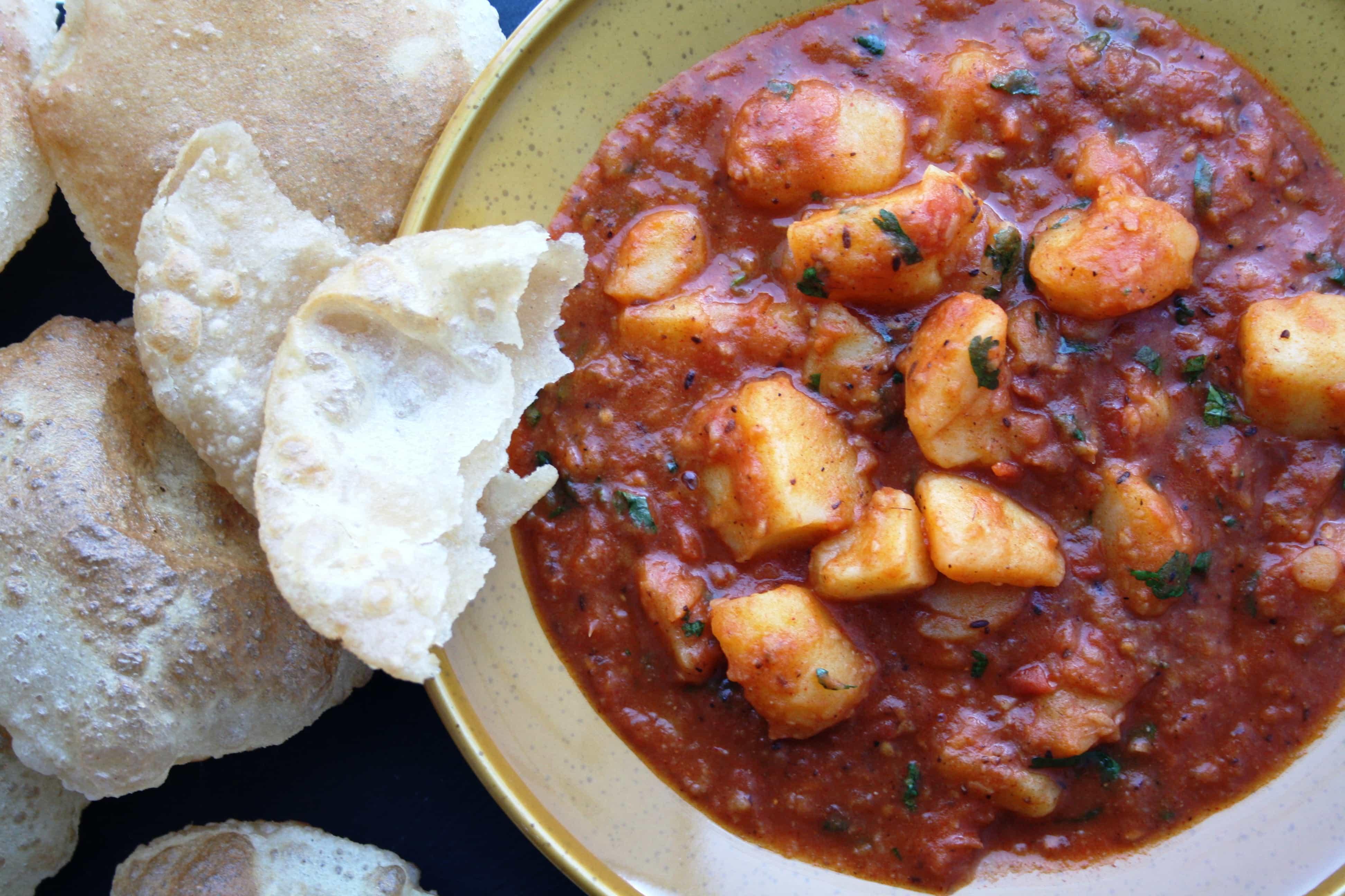 Punjabi aloo ki sabzi aur puri indian recipes maunika gowardhan forumfinder Gallery